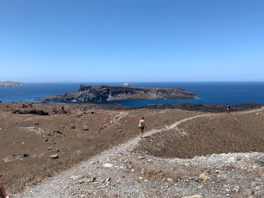 Το ηφαίστειο της Σαντορίνης και τα μυστικά του ξεδιπλώνονται στο Hellenic Daily News!